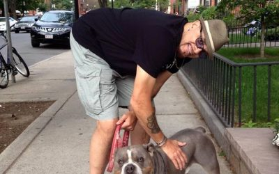 Comedian Sinbad stops to admire and show love to a DSK Bulldog